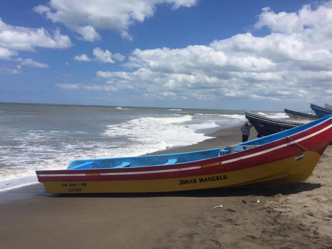 Piden a pescadores no desafiar las olas de las costas de Carazo