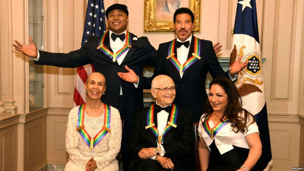 Gloria Estefan y otros recibieron premios del Kennedy Center