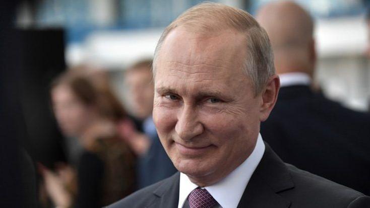 Rusos aprueban referéndum para que Putín siga siendo presidente hasta 2036  - Stereo Romance