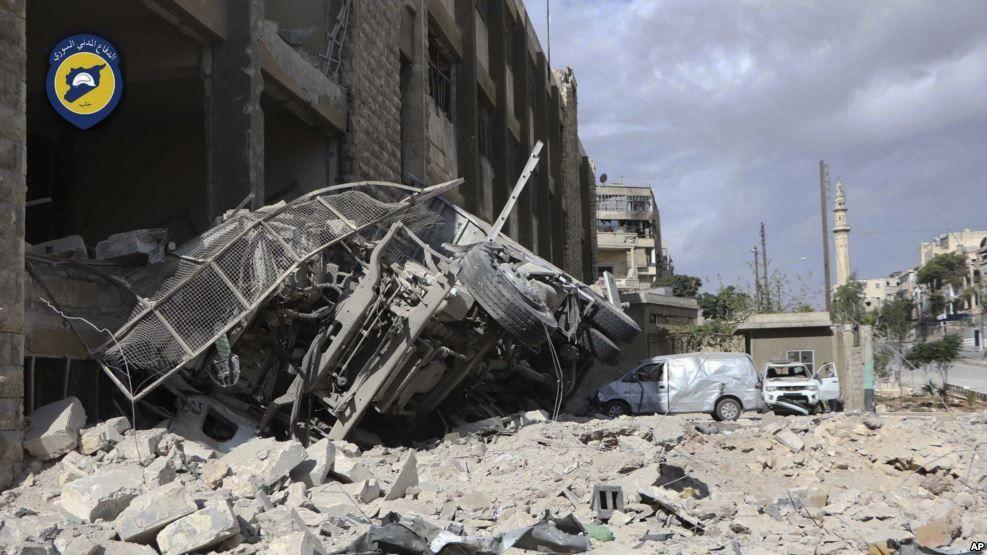 Intensos bombardeos alcanzan centros de defensa civil sirios