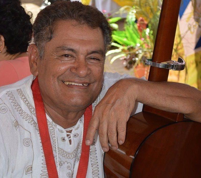 Falleció el escritor y profesor Carlos Aguirre