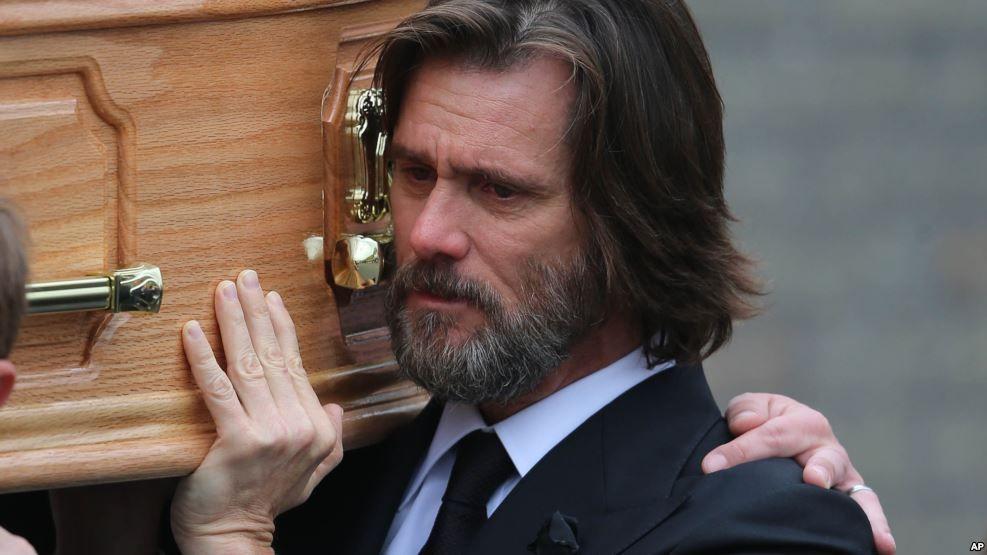 Jim Carrey demandado por muerte de su novia